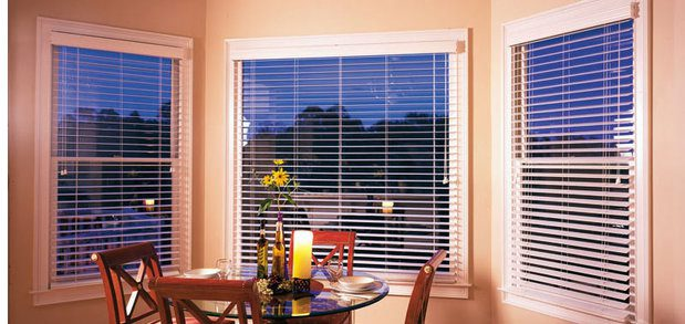 rsz_bay_window_wood_blinds