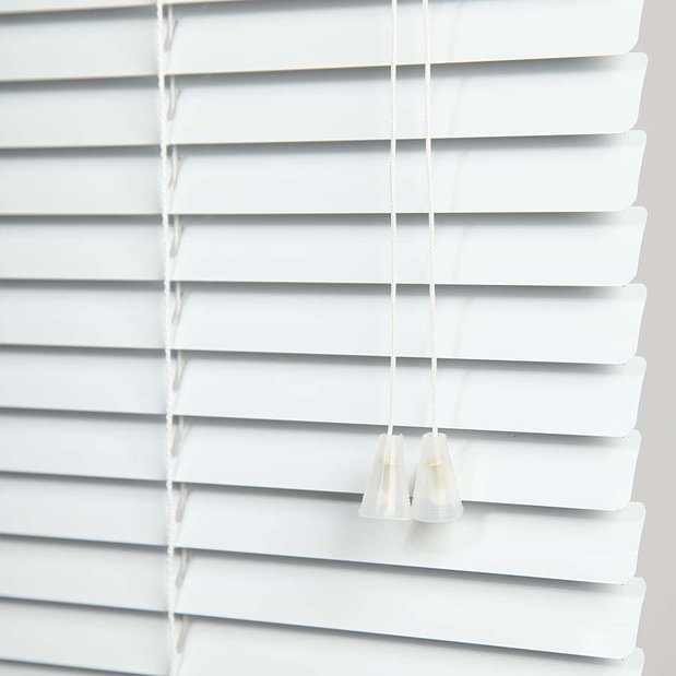 Learn how to clean mini blinds