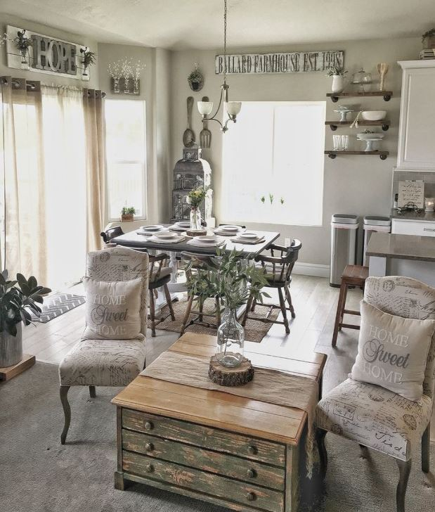 Kelly Ballard living room