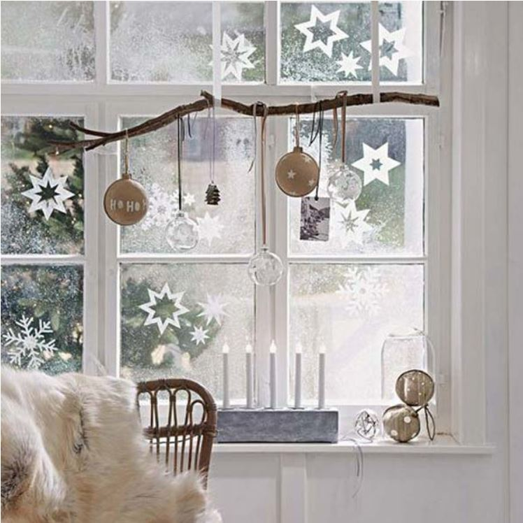 holiday-window-decoration