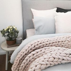 Large knit throws