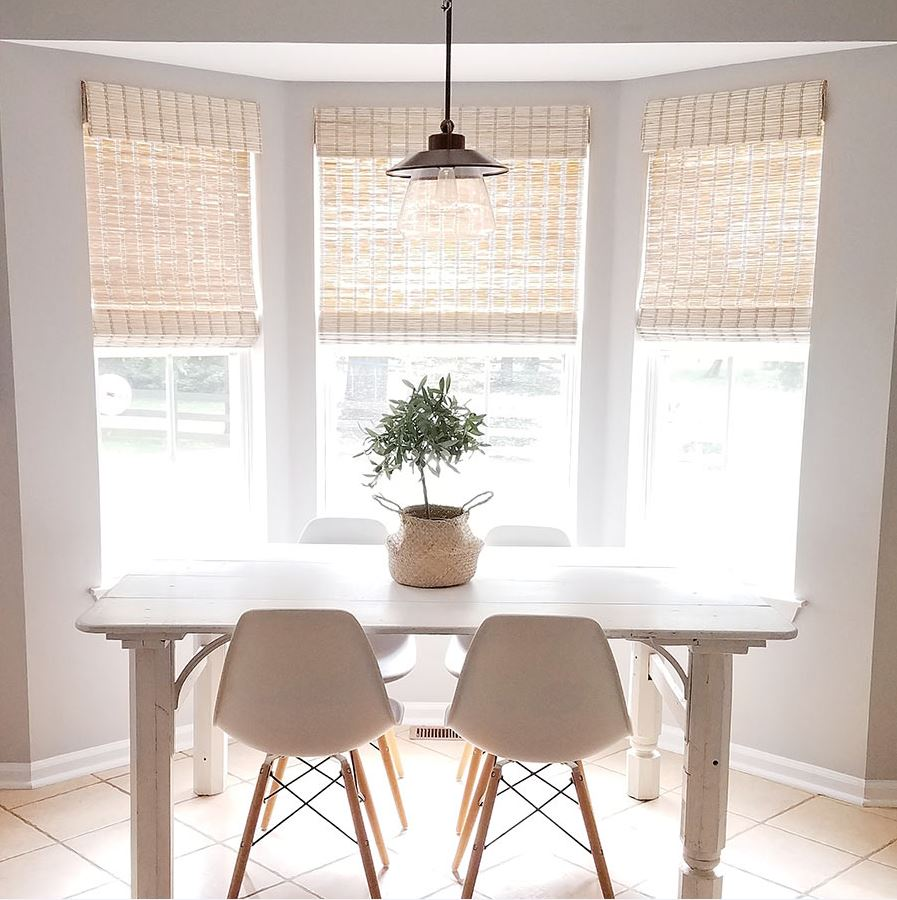 Cynthia Harper's Kitchen with Designer Series Woven Woods in Jute Natural from SelectBlinds.com