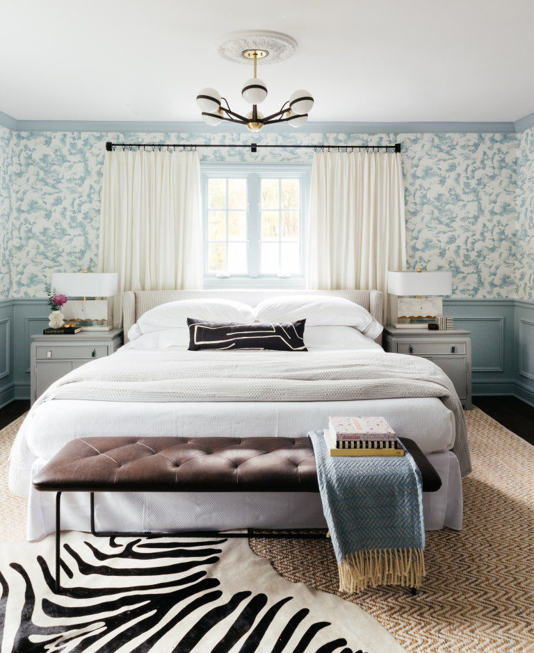 Cloudy Blue Wallpaper in Stylish Master Bedroom