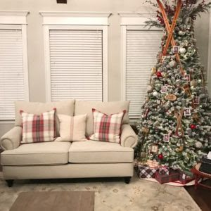 Christmas Living Room Before Window Covering Update